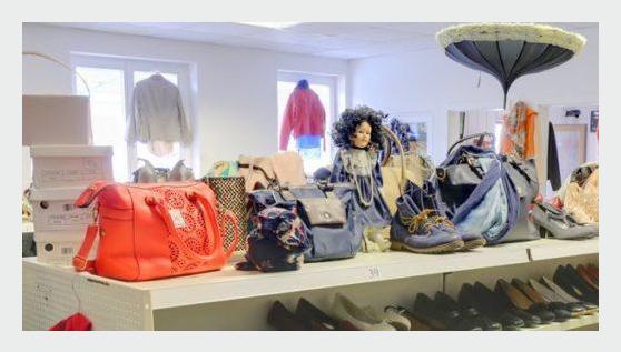 Handtaschen in 74862 Binau
